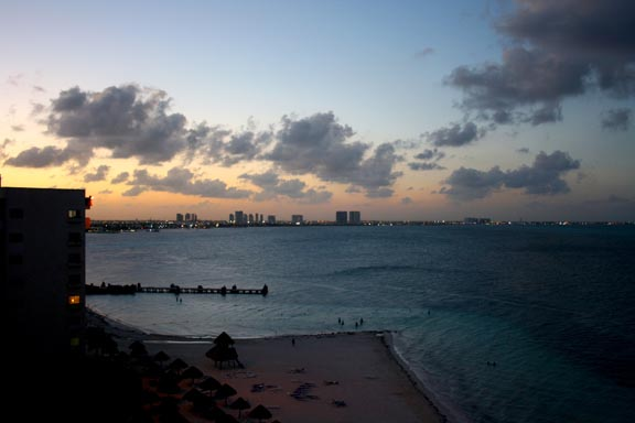 Cancun-night