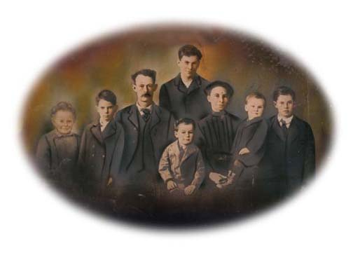 1913 Wescott family portrait 72