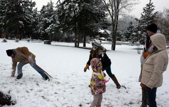 snowball fight 1