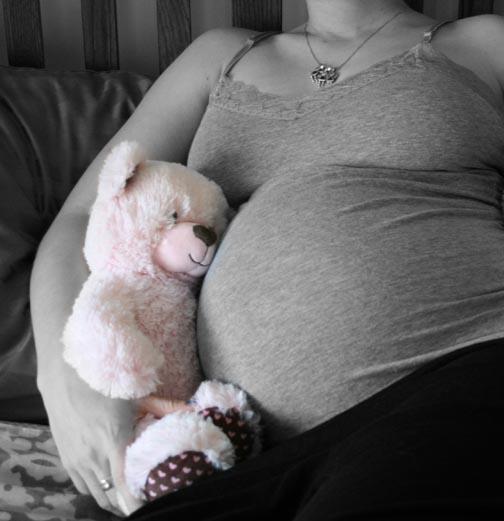 35 weeks pink bear 72