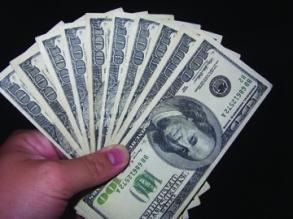 money in hand 100s